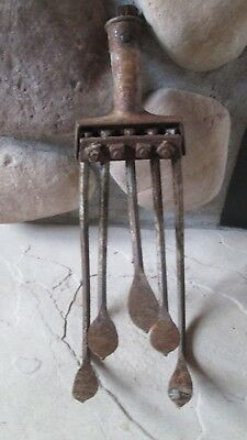 VINTAGE HAND CULTIVATOR 5 TINE CLAW GARDEN OLD FARM TOOL ANTIQUE  ~ Rustic