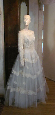 Vintage Creme Wedding Dress Lace, Tulle and Satin SzS/M 1950s
