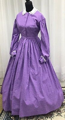 Civil War Day Gown of Lilac Cotton with tiny orchid floral pattern, Collar and C