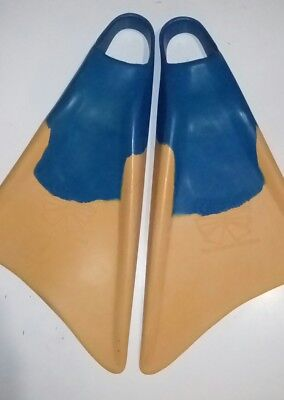 Churchill Body Boogie Board Fins Flippers size SMALL Exc Cond made in Malaysia