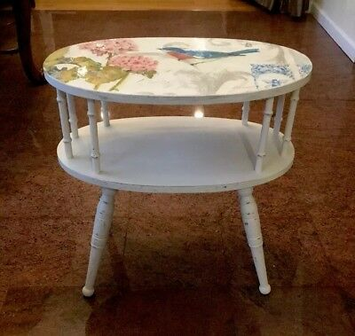 Antique Furniture Country French Accent Table, Shabby cheek, chalk paint.