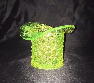 "EAPG Canary Vaseline DAISY & BUTTON 3 ¾"" HAT VASE"