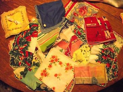 Lot of 19 Vintage Handkerchiefs and satin case, 15 with tags, 3 Christmas