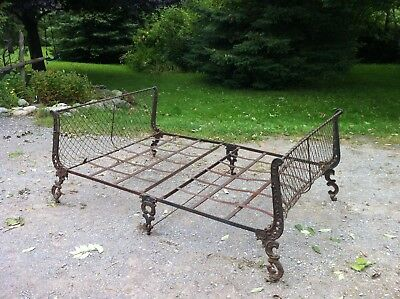 1860's Civil War Victorian Iron scroll Campaign Military bed