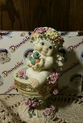 Dreamsicle Angel Figurine  1998 Birdbath Trinket Box W/ Box
