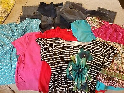 Lot of maternity clothes (9) - size medium and large
