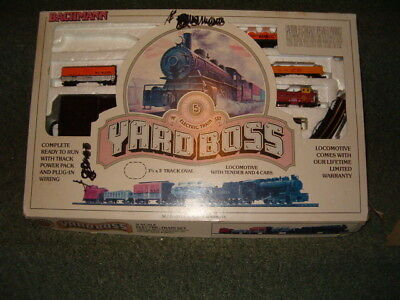 Bachmann Yard Boss N Scale Train Set Rail Roar Cars Track