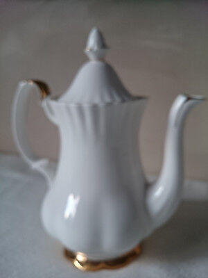 Kaffeekanne  Royal Albert  Val dOr China Bone - weiss Goldrand - Made in England