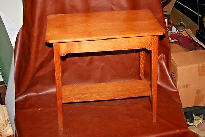 "Antique Nice American Oak 22"" Tall Occasional Side Table w/ Lower Shelf c.1920"