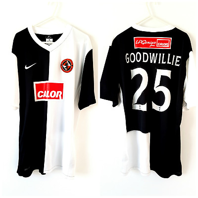 Dundee United Goodwillie Away Shirt 2010. Large. Nike. White Adults Utd Top Only