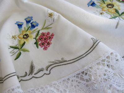 Antique Vintage OVAL Embroidered FLORAL Linen Tablecloth BOBBIN LACE Edging