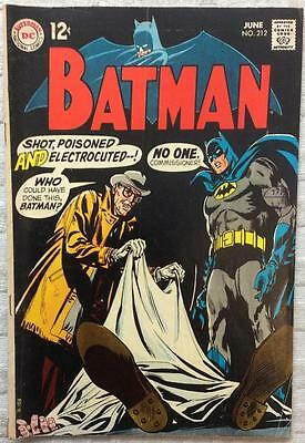 Batman #212 (1969 DC 1st series) FN- condition. 47 yrs old. Silver Age