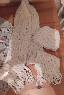 Lovely Ladies Woman Chunky Knit Scarf And Hat Set Cream Perfect