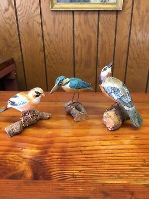"""3 Vintage Hand Carved Hand Painted 5"""" Wood Birds On Wood bases Beautiful Detail"""