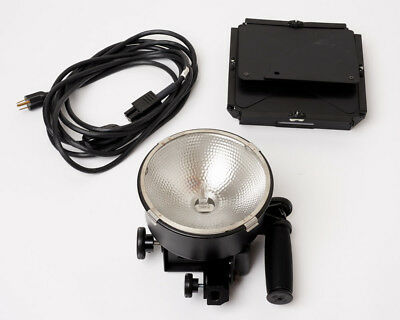 Lowel DP w/ Barn Doors, 1000 W Focusing Flood Light 120-240V AC
