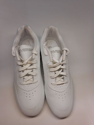Women's Athletic Sneaker Converse Leather White Lace-Up Size 8.5 EUC