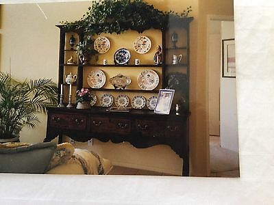 Welsh Cabinet Antique - Circa late 1600's - 1700's