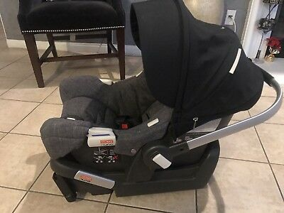 Nuna Pipa Ultra Light Infant Car Seat With Base