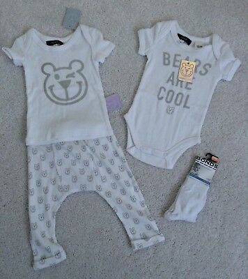 Fred Bare Baby Unisex Bundle Size 00