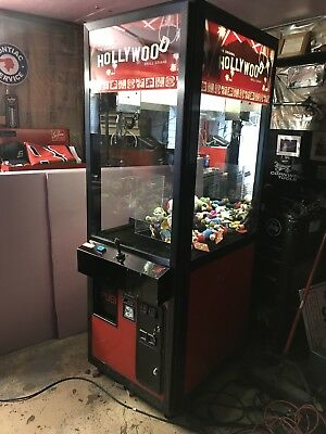 Hollywood Full Size Claw Machine