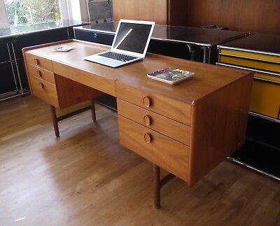 Vintage Meredew teak or oak desk dressing table. Retro 70s  7 drawers