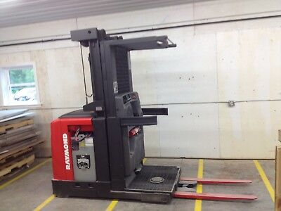 2006 Raymond Forklift Order Picker Model 520 3000LB Capacity