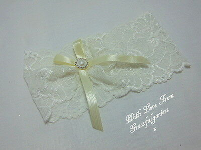 Ivory stretch lace Bridal Wedding garter. toss. bride.