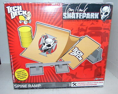 Tony Hawk Skatepark Tech deck + collection of 7 fingerboards spareparts