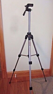 "Sunpak 2001UT Tripod, Quick Release Plate, Extends 19.7"" to 48.9"""