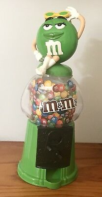 M & M Collectables