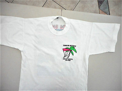 Unisex mens womens white T shirt Tandem Skydive Great Keppel Island Size S Small
