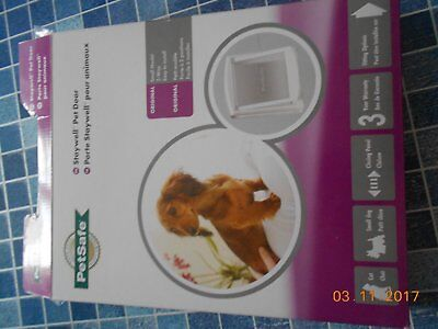 CHATIERE  STAYWELL   petsafe blanche