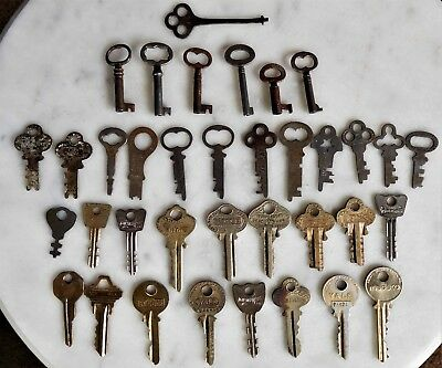 Nice Lot of 36 Assorted Antique Vintage Keys for Collector & Steampunk