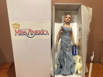 "18"" Blonde MISS AMERICA BY ROBERT TONNER, 2003 Reigning Beauty.  1304"