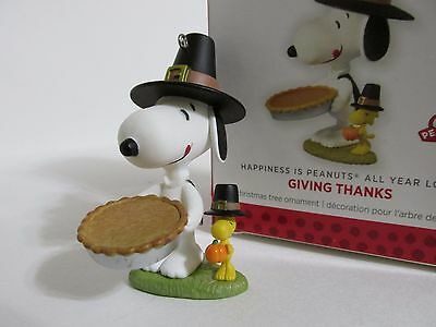 Snoopy Peanuts Charlie Brown Hallmark Christmas Ornament Figure Figurine 2013