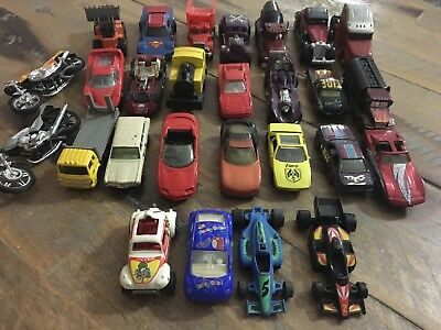 Bulk Lot Of Mostly Matchbox Hot & wheels Toy Cars Used