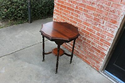 Beautiful English Antique Mahogany Side Table / Occasional Table .