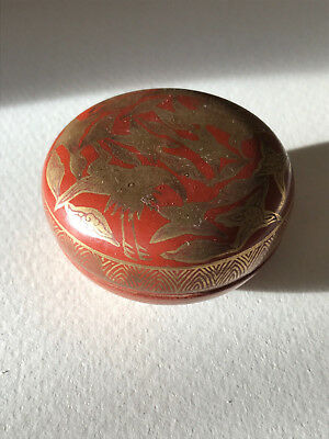 Fine Antique Japanese Kutani Kogo Incense Box Cranes Red Signed