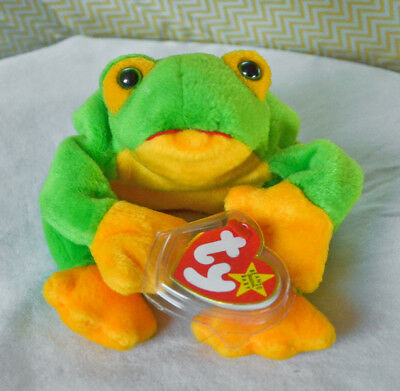 NWT Retired Ty 1997 Smoochy the Frog Beanie Baby DOB October 1, 1997 Errors