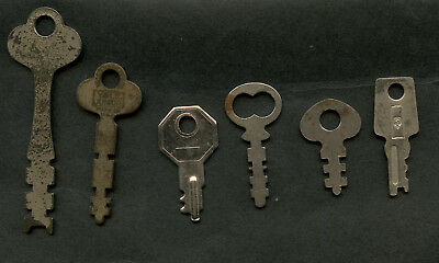 Nice lot of 6 vintage cabinet drawer keys,Yale Junior,Yale & Towne + others