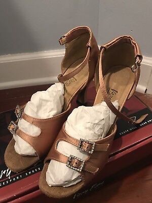 very fine dance shoes Size 6