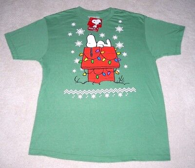 Nwt Snoopy On Christmas Doghouse Peanuts Mens Large (L) Green T-Shirt Tee ~ New