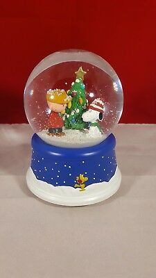 Peanuts 50th Anniversary Charlie Brown & Snoopy Hallmark Musical Snow Globe NWB