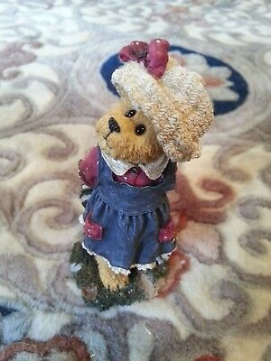 "BOYDS BEARS Bearstone Collection -- ""Bailey...Off To School""  #228411-4E/4203"