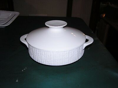 Thomas Germany Arcta White Bisque Porcelian Covered Vegetable  Bowl