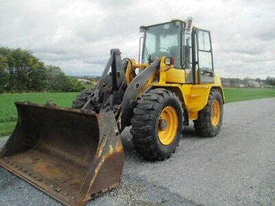 2006 Volvo L40B Articulated Wheel Loader, Cab, Heat, Air, 3rd Valve, 4721 Hours