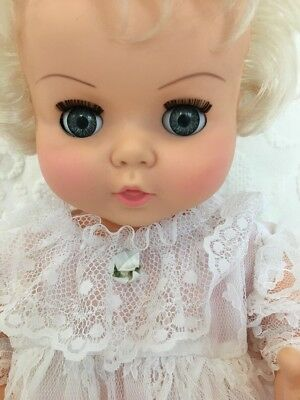Vintage STAR CANADA Baby Doll With White Lace Dress 20""