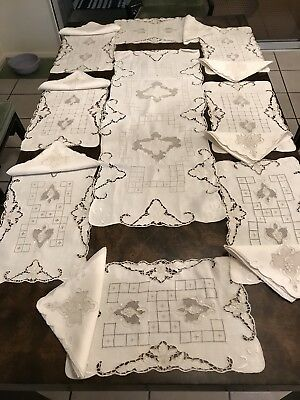 Table Runner and 8 placemats, 8 napkins. Vine with grapes motif. Handmade lace.