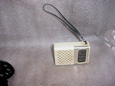 Vintage! Sanyo Portable Transistor Radio RP-1250 Working