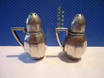 V Lollo 21 New York Pewter Collectible Salt & Pepper Shakers